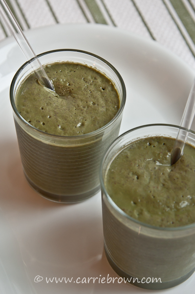 Green Smoothie - Lemon Blueberry Cream